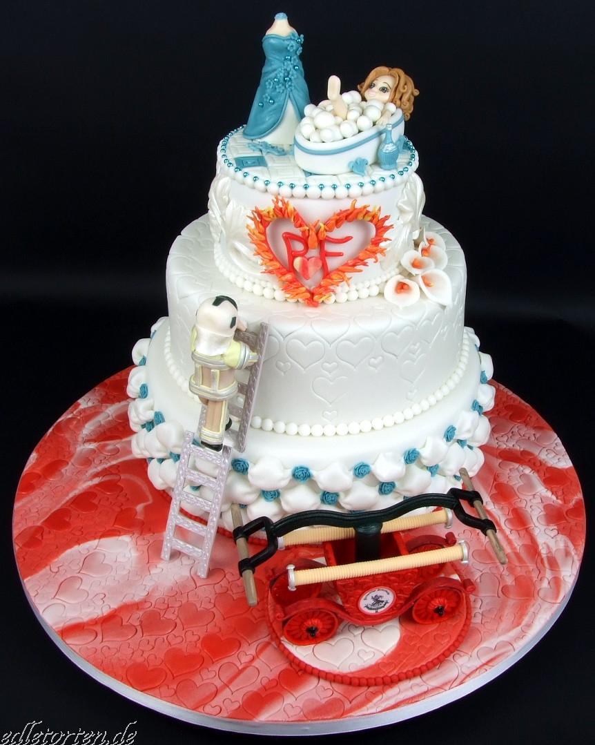 Hochzeitstorte Feuerwehr Schaumbad