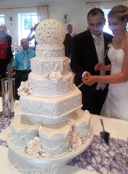 Hochzeitstorten Geburtstagstorten Patisserie zu verschiedenen ...