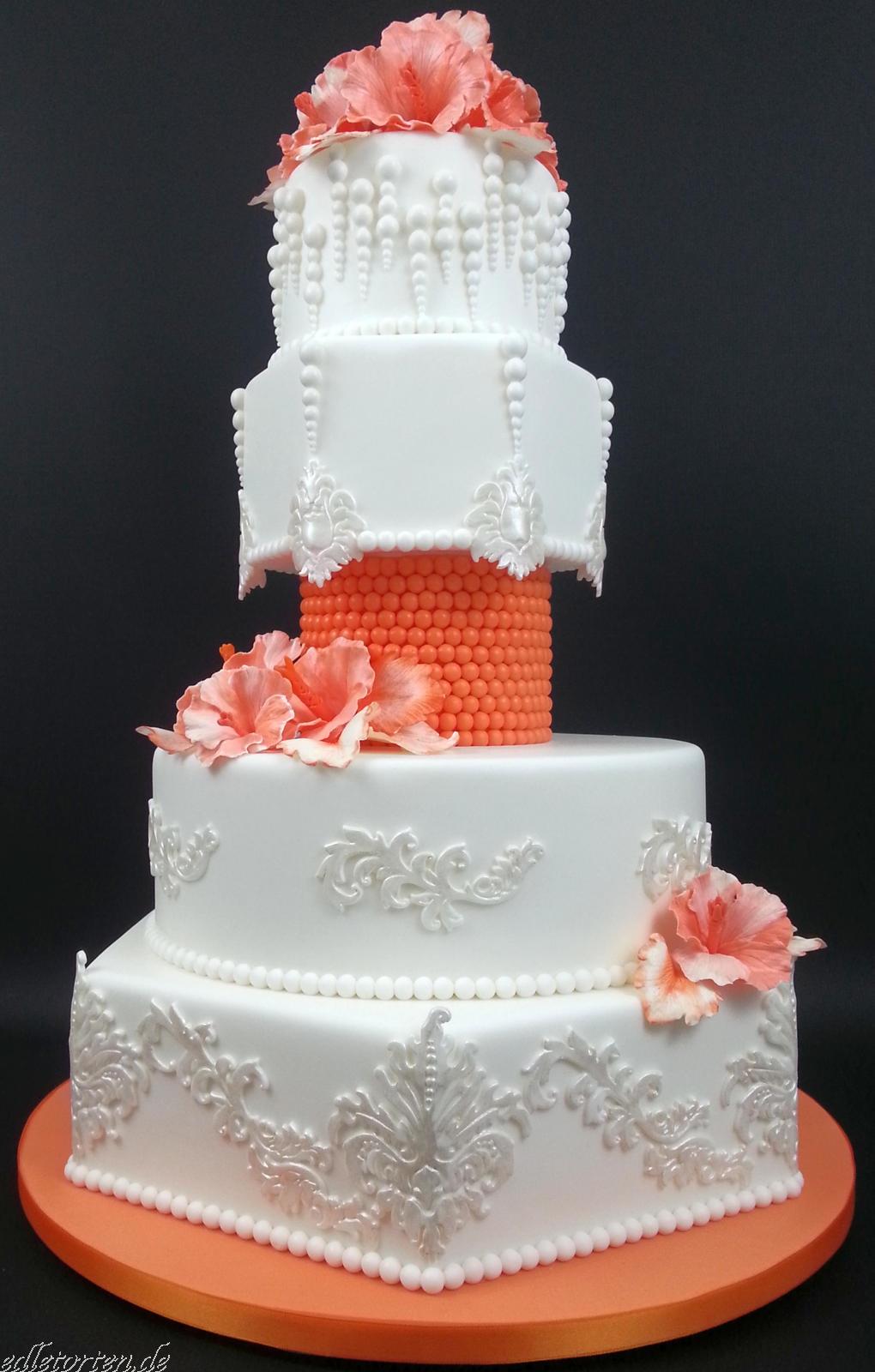 Hochzeitstorte Weiss Orange Hibiskusbluten